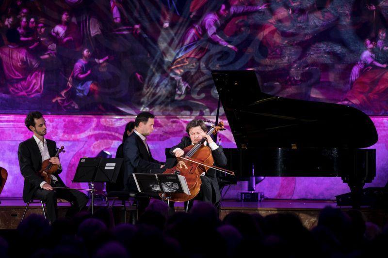 About Chopin - Friedrich Kleinhapl spielt am Chello Musik von Frederic Chopin
